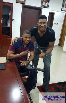 Singer Yinka Ayefele meets legendary Nigerian goalkeeper, Peter Rufai